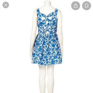 Topshop Petite blue floral dress with pockets